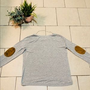 Patch sleeve top